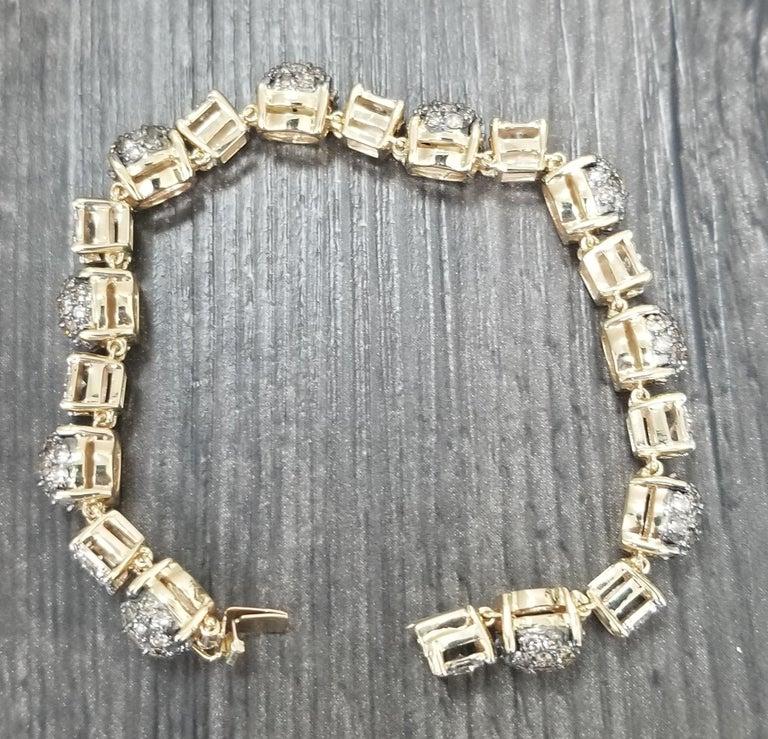 Round Cut 14 Karat Yellow Gold Diamond Link Bracelet with White and Conac Brown Diamonds For Sale