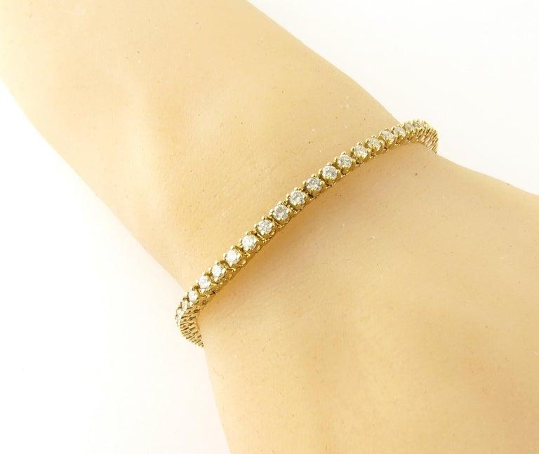 Women's or Men's 14 Karat Yellow Gold Diamond Tennis Bracelet 1.71 Carat For Sale