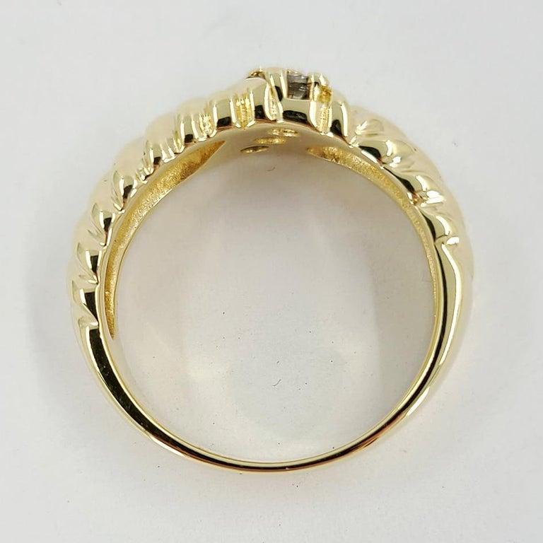 Round Cut 14 Karat Yellow Gold Diamond Three Stone Fashion Ring For Sale