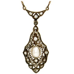 14 Karat Yellow Gold Diamonds Pendant Necklace