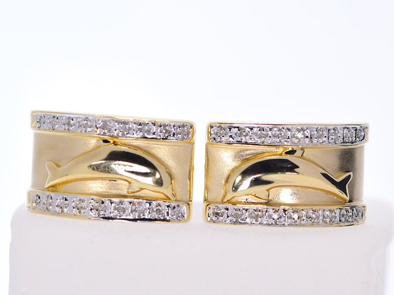 Round Cut 14 Karat Yellow Gold Dolphin Half Cuff with Diamonds Earrings 11.70 Grams For Sale
