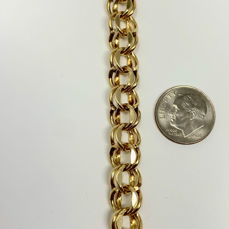 14 Karat Yellow Gold Double Circle Link Charm Bracelet In Good Condition In Brandford, CT