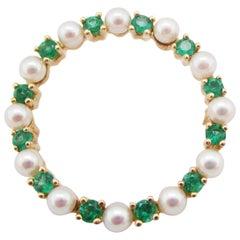 14 Karat Yellow Gold Emerald and Pearl Circle Pin