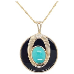 14 Karat Yellow Gold Estate Onyx Disk Topped with Howlite Pendant and Chain