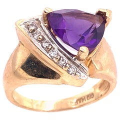 14 Karat Yellow Gold Fashion Ring with Amethyst and Round Diamond