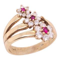 14 Karat Yellow Gold Fashion Three Flower Ring with Semi Precious Stones