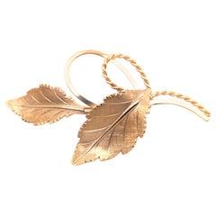14 Karat Yellow Gold Freeform Leaf Brooch or Pin