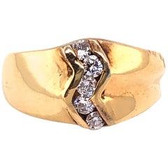 14 Karat Yellow Gold Freeform Ring with 5 Diamonds