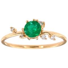 14 Karat Yellow Gold Green Round Rustic Emerald Diamond Ring Center, 0.31 Carat