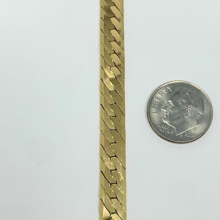 14 Karat Yellow Gold Herringbone Link Chain Bracelet In Good Condition For Sale In Brandford, CT