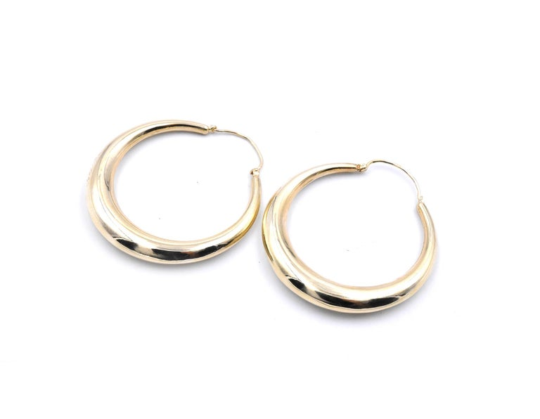 14 Karat Yellow Gold Hoop Earrings In Excellent Condition For Sale In Scottsdale, AZ