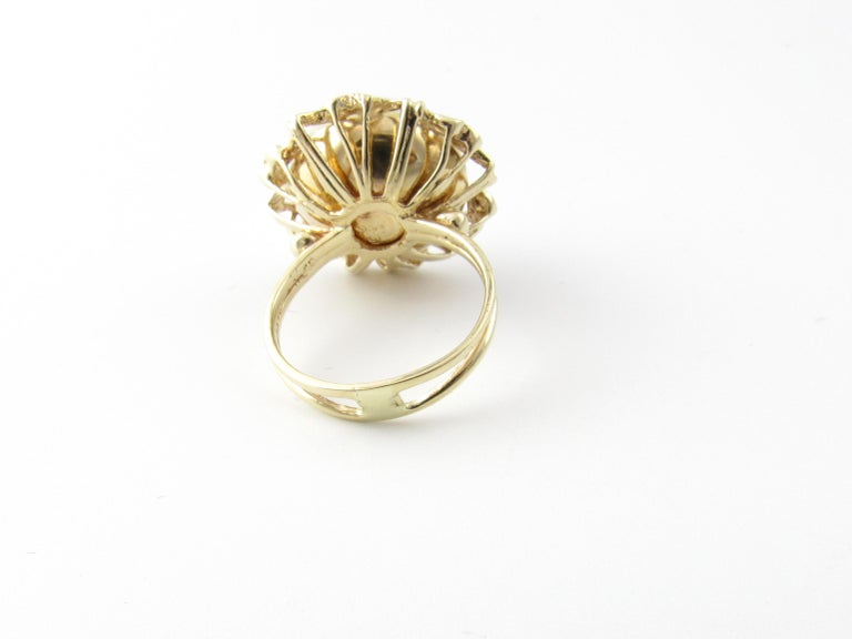 Round Cut 14 Karat Yellow Gold Mobe Pearl Ring For Sale