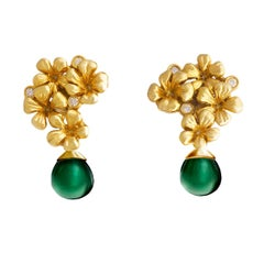 14 Karat Yellow Gold Modern Clip-On Earrings with Diamonds and Chalcedonies