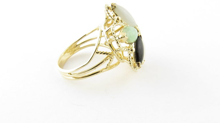 14 Karat Yellow Gold Multicolored Jade Ring For Sale 1