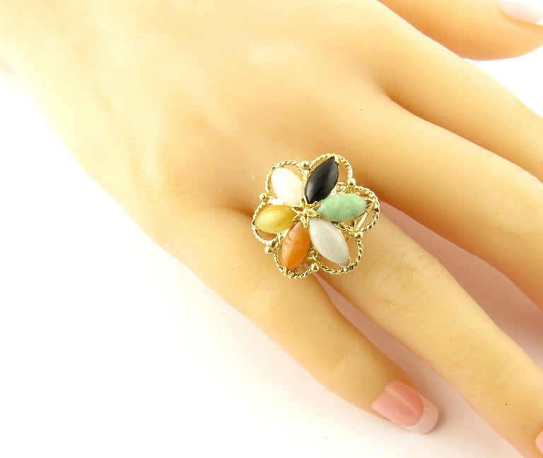 14 Karat Yellow Gold Multicolored Jade Ring For Sale 3