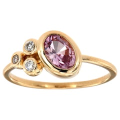 14 Karat Yellow Gold Oval Pink Saphire and Diamond Vintage Ring Center-3/4 Carat