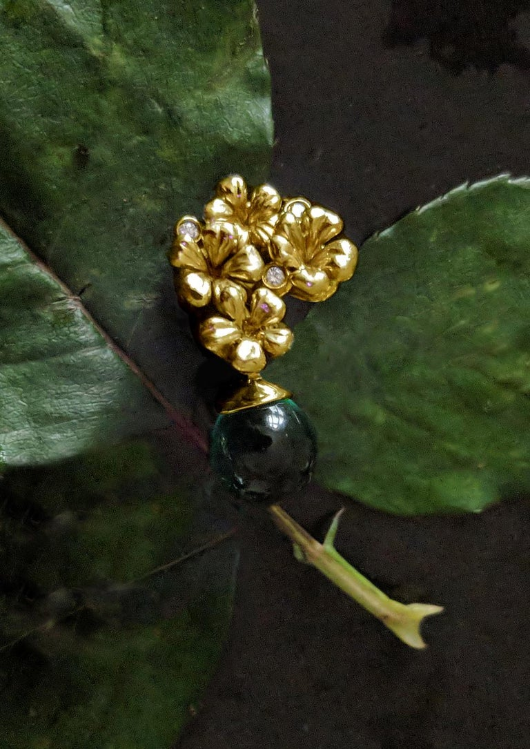 14 Karat Yellow Gold Plum Flowers Clip-On Earrings by The Artist with Diamonds In New Condition In Berlin, Berlin