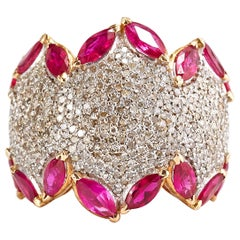 14 Karat Yellow Gold Ring with Diamonds and Rubies