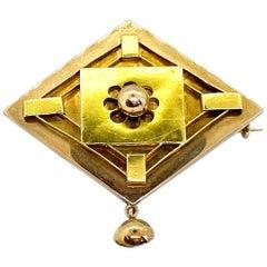 14 Karat Yellow Gold Russia Brooch