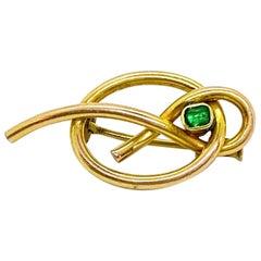 14 Karat Yellow Gold Russia Emerald Brooch