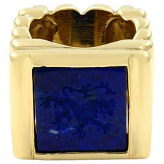 14 Karat Yellow Gold Square Blue Lapis Lion Engraved Signet Ring