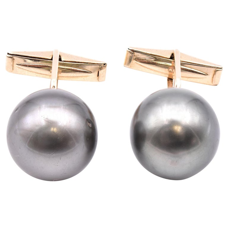 14 Karat Yellow Gold Tahitian Pearl Cufflinks For Sale