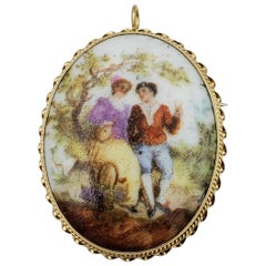 14 Karat Yellow Gold Vintage Brooch / Pendant, Courting Couple, Victorian, 1900s