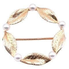14 Karat Yellow Gold Vintage Circle Pearl Pin
