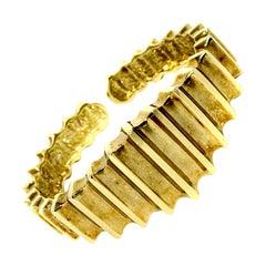 14 Karat Yellow Gold Vintage Hinged Cuff Bangle Bracelet