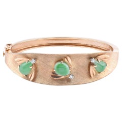 14 Karat Yellow Gold Vintage Jade Bee and Diamond Bangle Bracelet