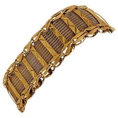 14 Karat Yellow Gold Vintage Ladies Fancy Diamond Cut Mesh Bracelet