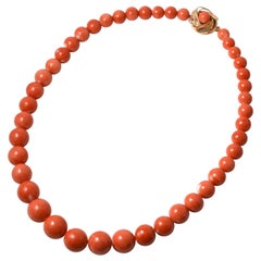 14 Karat Yellow Gold Vintage Momoiro Sango Coral Graduated Beads Necklace