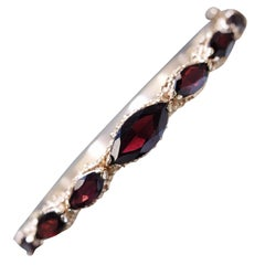 14 Karat Yellow Gold Vintage Natural Garnet Bangle Bracelet