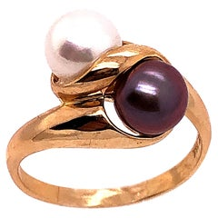 14 Karat Yellow Gold White and Black Cultured Pearl Free Form Ring