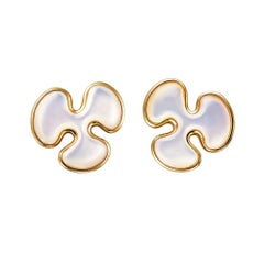 14 Karat Yellow Gold White Mother of Pearl Stud Earrings