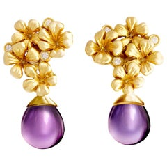 14 Kt Gold Plum Flowers Contemporary Clip-On Earrings with Diamonds and Amethyst