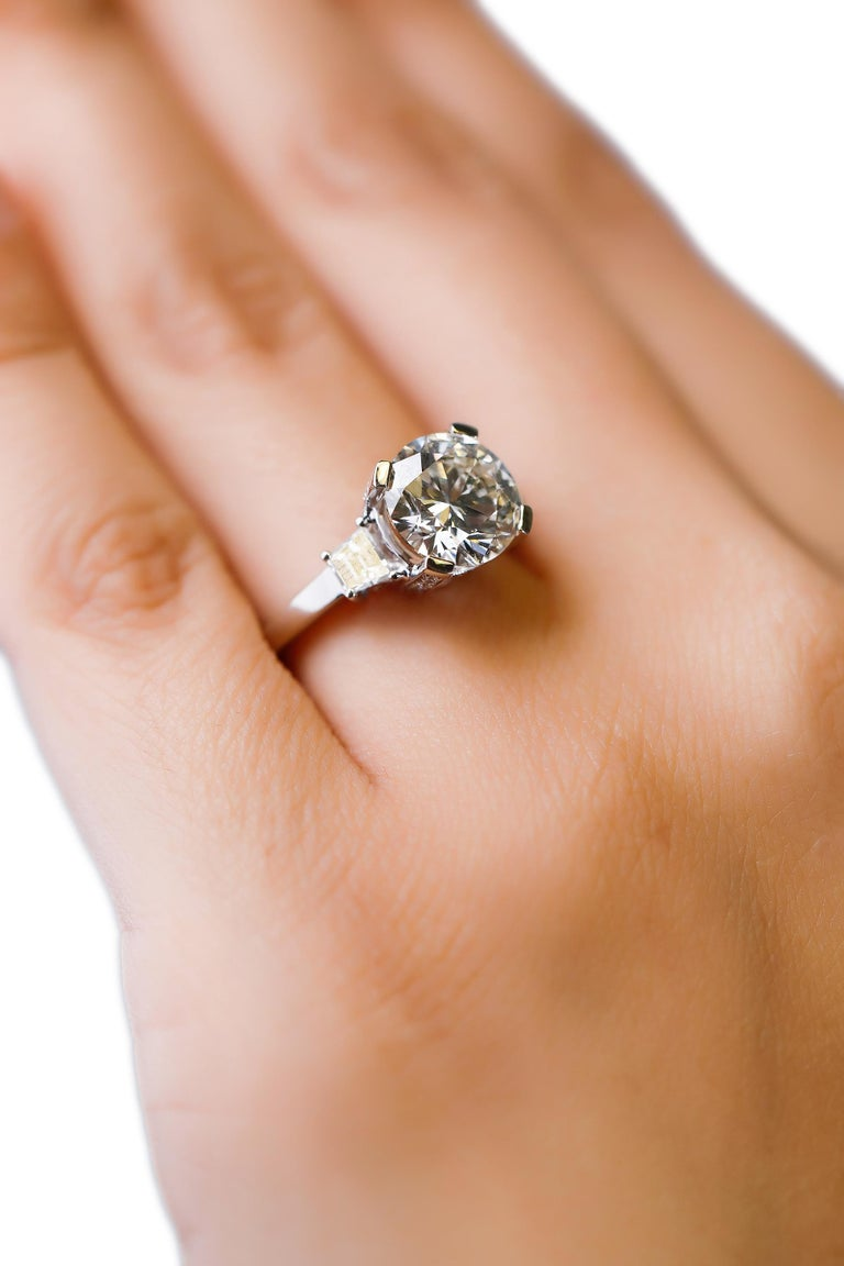 14 Karat White Gold 4 Carat Round Diamond Solitaire Engagement Ring by Natalie K For Sale 1