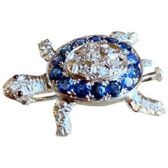 14 Natural Sapphires and Diamonds White Gold Turtle Brooch
