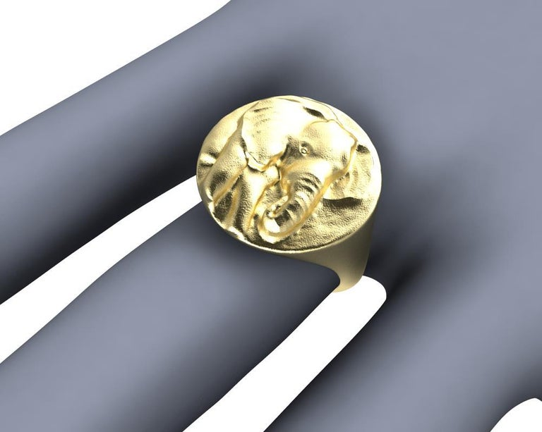 14 Karat Yellow Gold Elephant Signet Ring For Sale 1