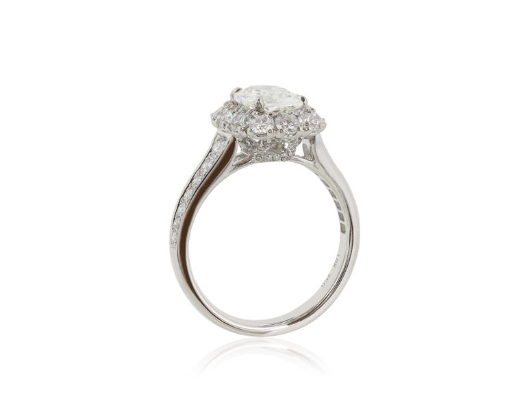 1.40 Carat Cushion Cut Diamond Ring 18 Karat White Gold In New Condition For Sale In Chestnut Hill, MA