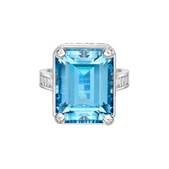 14.0 Carat Santa Maria Aquamarine and Diamond Ring in 18 Karat White Gold