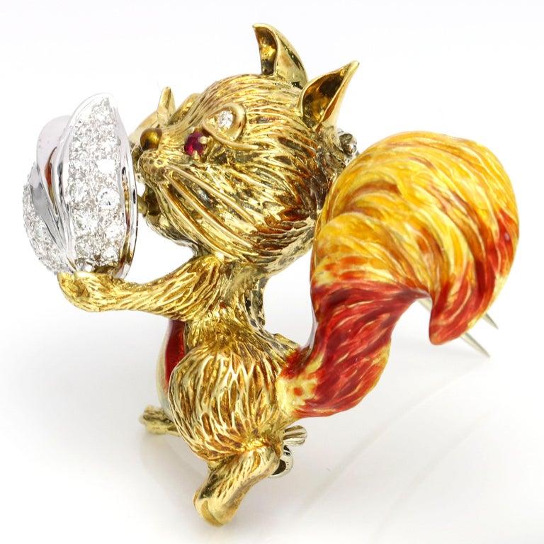 1.40 Carat 18 Karat Gold Enamel Diamond Squirrel Brooch In Good Condition For Sale In Fort Lauderdale, FL