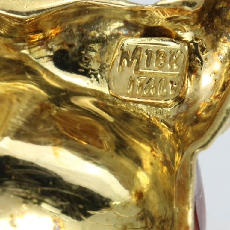 Women's 1.40 Carat 18 Karat Gold Enamel Diamond Squirrel Brooch For Sale