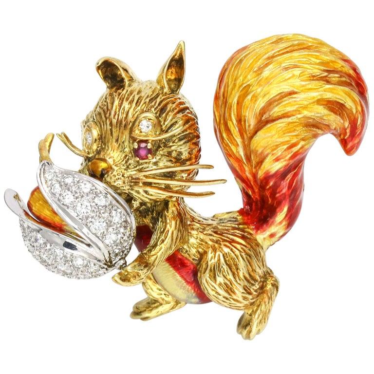 1.40 Carat 18 Karat Gold Enamel Diamond Squirrel Brooch For Sale
