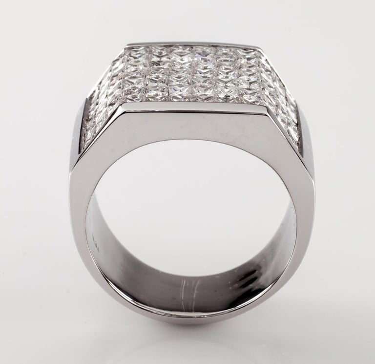 14.00 Carat Invisible Setting Diamond 18 Karat White Gold Men's Plaque Ring For Sale 1