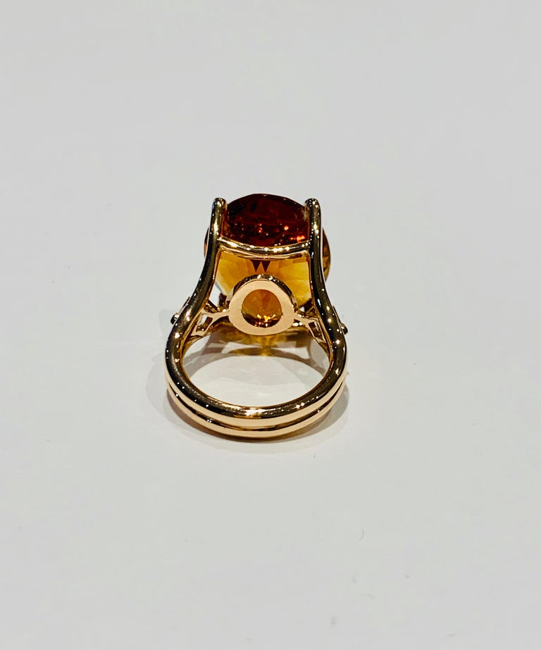 Modern 14.00 ct Oval Madeira Citrine Set with Princess Cut Diamonds in 18ct White Gold For Sale