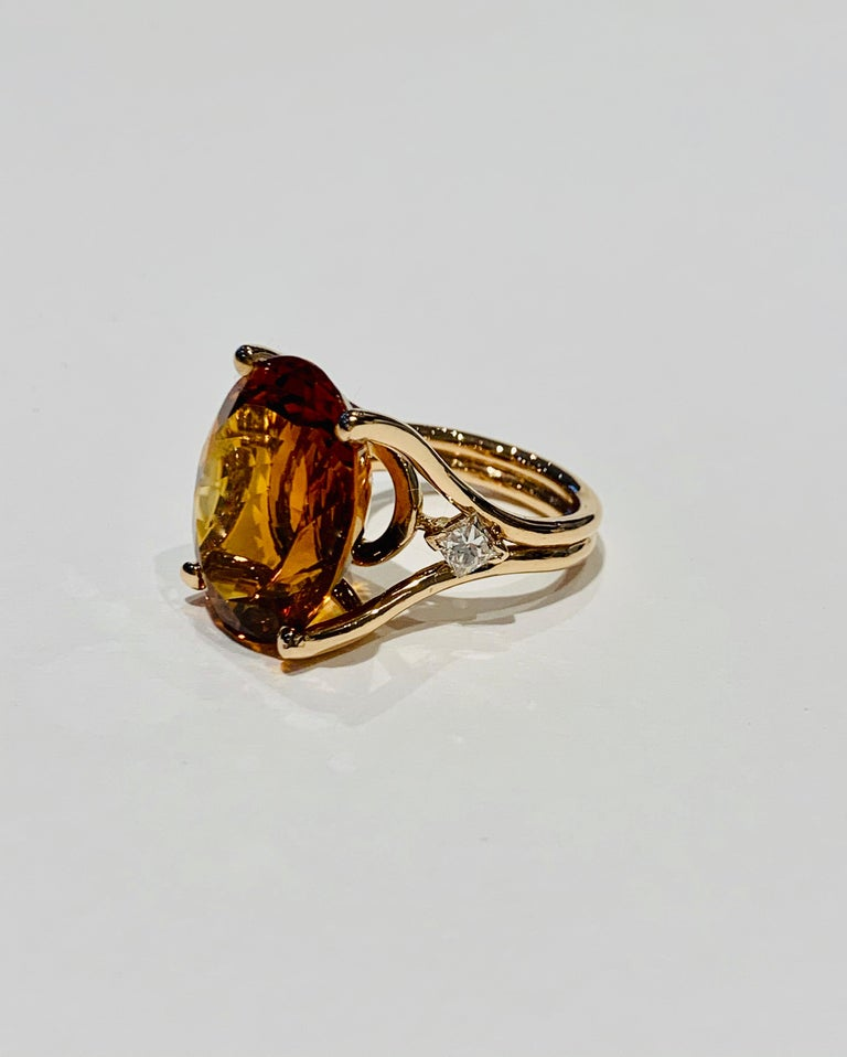 Women's 14.00 ct Oval Madeira Citrine Set with Princess Cut Diamonds in 18ct White Gold For Sale