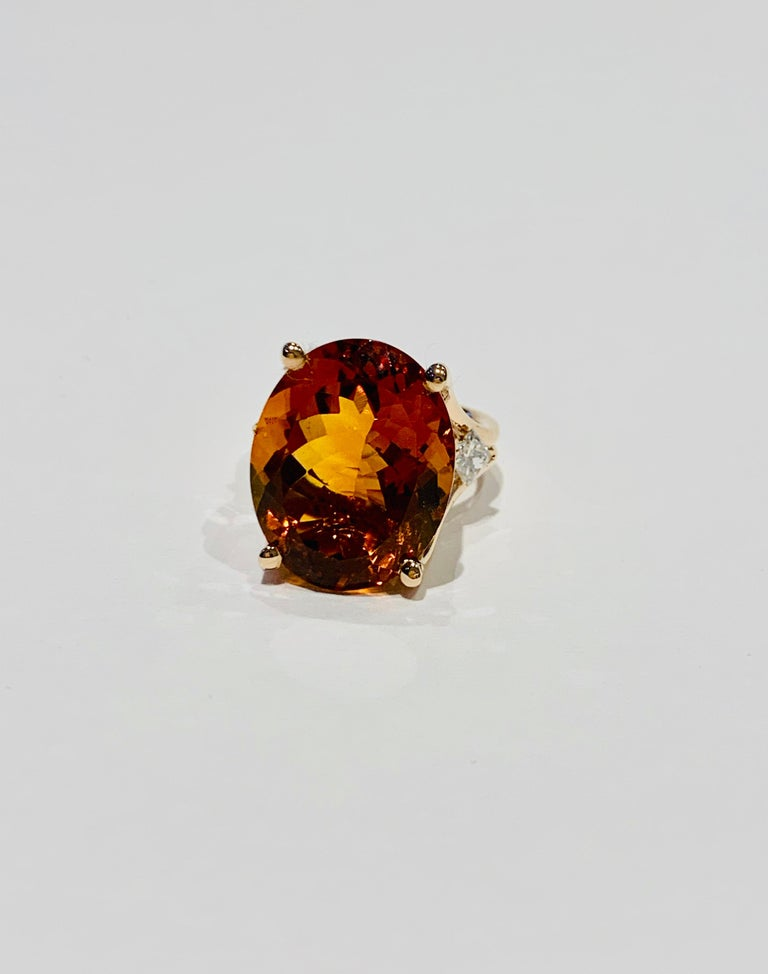 14.00 ct Oval Madeira Citrine Set with Princess Cut Diamonds in 18ct White Gold For Sale 1