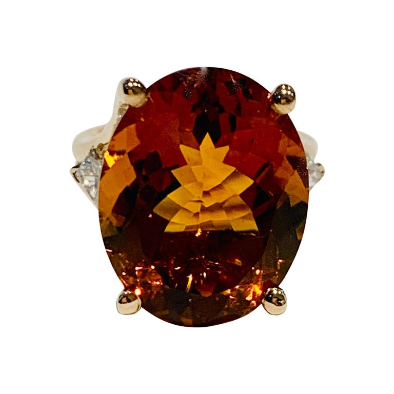 14.00 ct Oval Madeira Citrine Set with Princess Cut Diamonds in 18ct White Gold For Sale