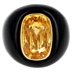 14.10 Yellow Sapphire Black Jade and Yellow Gold Ring